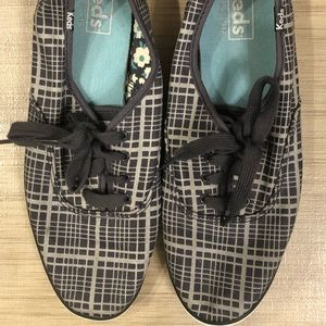 Keds shoes great condition! Size 8
